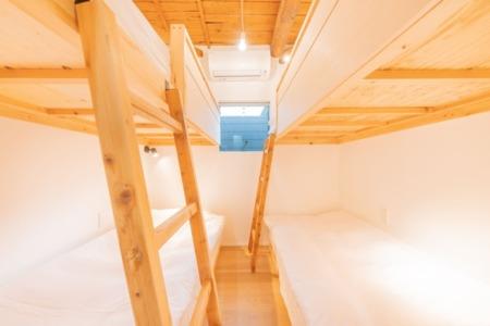 201 寝室(2段ベッド)