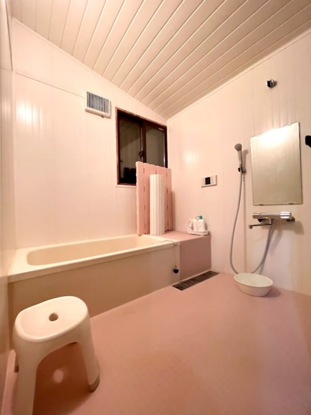 広いシャワー室。